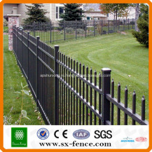 PVC покрыл стальной забор трубы