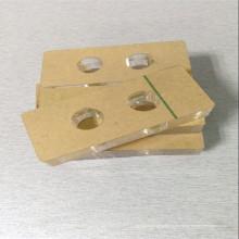 Grabado de bloque acrílico en formas de acrílico cortadas con láser