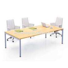 Mesa de conferência de metal
