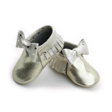 Nya stilar Metal Gold Bow Girls Baby Moccasins
