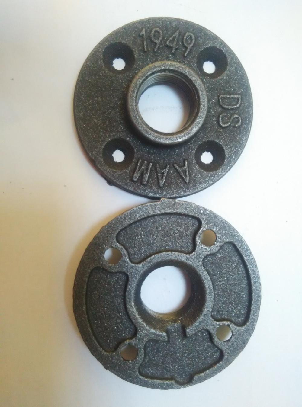 Black Malleable Iron Threaded Floor Flange