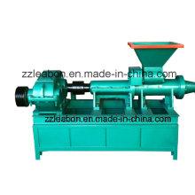 Carvão amassado da poeira do carvão vegetal ou da poeira de várias formas que faz a máquina