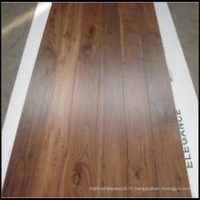 Plancher de bois massif en noyer américain