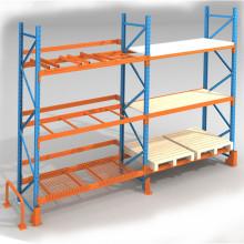 Palettenregal mit Rahmen und Balken