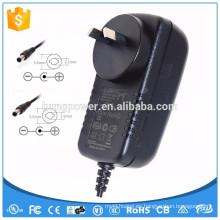 De buena calidad 12V 2A AC / DC Adaptadores de corriente con Euro / UK / EE.UU. enchufe adaptador de corriente AC