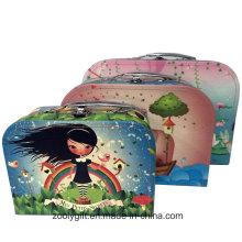 Цветастый детский бумажный картонный чемодан с металлическими ручками