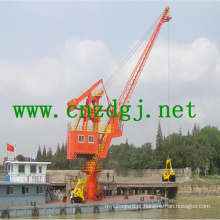 Guindaste hidráulico de barco flutuante com garra