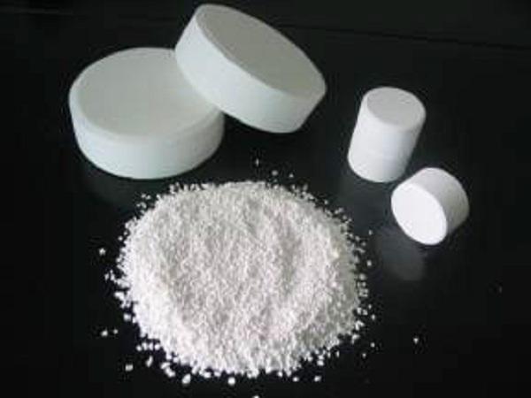 trichloroisocyanuric acid dissociation