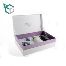 L'estampillage argenté empaquetant la boîte cosmétique de papier d'emballage de Brown avec le logo