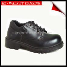 Sapatos de segurança com parte superior de couro e dedo de pé de aço