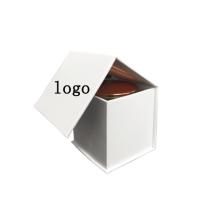 Weiße Kerzen Geschenkboxen mit Firmenlogo gedruckt
