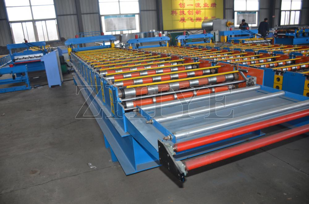 Akurasi Tinggi Terisolasi Sandwich Panel Cold Forming Machine