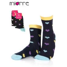Los calcetines coloridos de la calidad del algodón del tobillo de la manera modificada para requisitos particulares de las mujeres del OEM del Miorre 2 colores