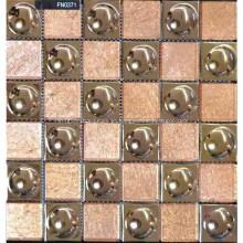 Precioso mosaico de piedra para la pared del baño