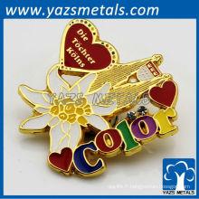 Insignes personnalisés en métal avec beaucoup de couleurs, haute qualité