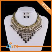 Conjunto de joyas de ganchillo hecho a mano cuerda negro babero collar indio