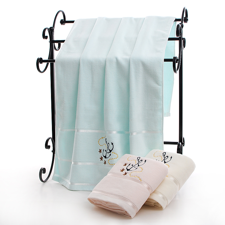 the bath towel with embroidery anchor velvet