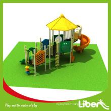 Personnaliser la structure de jeu en plein air pré-scolaire avec de grandes diapositives spirales, type de matériau LLDPE Structure de jeu