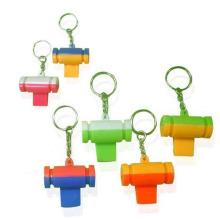 Sifflet en plastique coloré de jouet d'enfants de promotion avec le porte-clés (10224290)