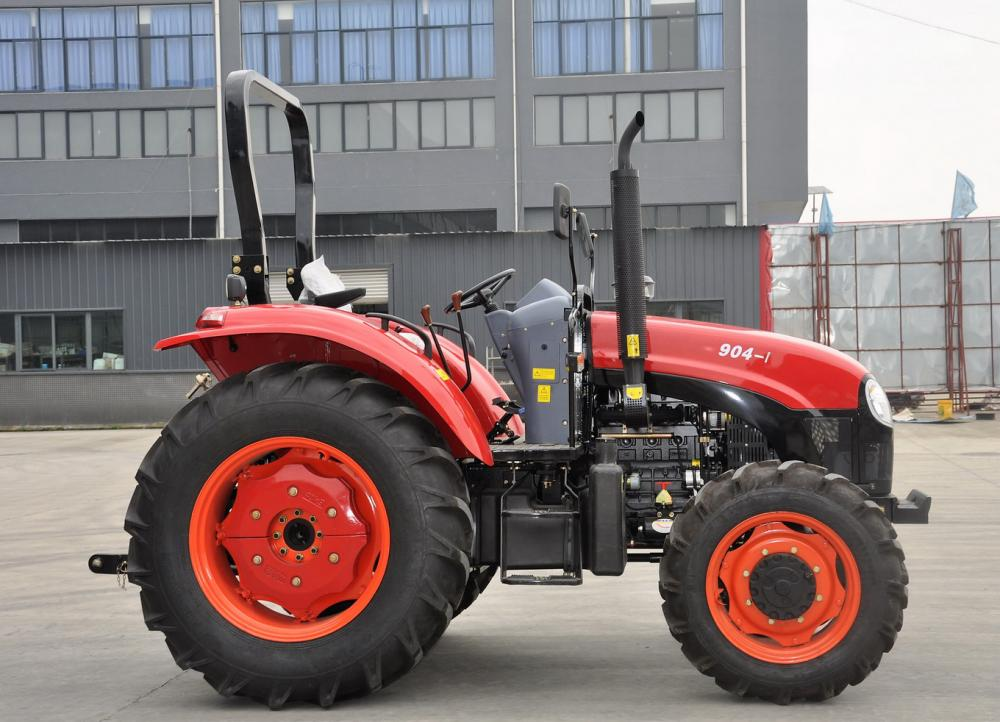 High Efficiency 90HP Wheeled Tractor With Cab