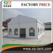 Kleines Outdoor-Zelt für die Hochzeit mit PVC-Fenstern