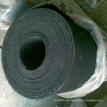 Hohe Qualität Verschleißfestigkeit Black Rubber Sheet Roll mit Stoffeinlage