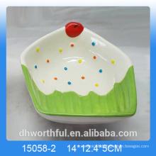 Home decoration ceramic fruit bowl with icecream figurine