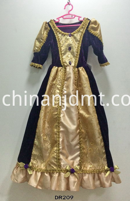 Main sleeve dress