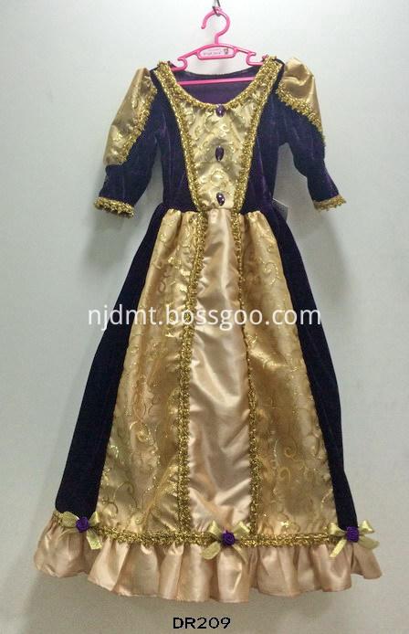 Main sleeve dress