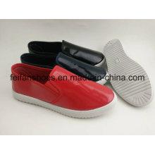 Einfacher Entwurf Segeltuch-Einspritzungs-Schuhe, weiche Männer verursachende Schuhe mit guter Qualität