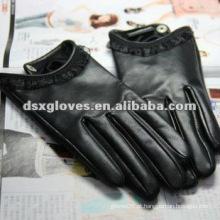 Luvas de couro preto da mulher do toque da mulher