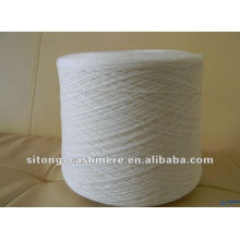 30% caxemira e 70% fio de mistura de lã branco cru