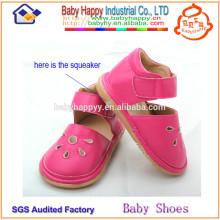 Китай производитель дешевые красивые девушки toddler скрипучие туфли