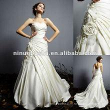 Flor artesanal artesanal no vestido de noiva da cintura