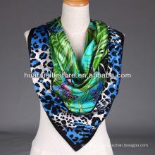 Écharpe écharpe à imprimé tropical Lady Scarf léopard et papillon sexy