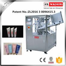 Máquina de llenado y sellado de tubos flexibles de material de embalaje de plástico