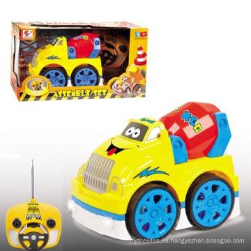 Modelo de plástico de 4 canales, modelo Toy R / C Car con luz intermitente y música (10214049)