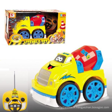 Voiture en plastique de jouet de modèle de dessin animé de 4 canaux avec la lumière et la musique de clignotant (10214049)