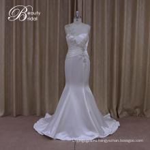 Мерцающие тонкий империи Талия свадебное платье Раффлед атласная