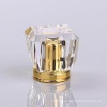 Tampas superiores das garrafas de perfume do cristal do projeto