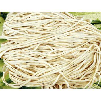 Wet raw noodles