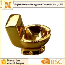 Presente engraçado do chapeamento do ouro Cinzeiro cerâmico da forma do toalete