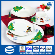 Nuevos productos calientes para el regalo 2015 de la Navidad sistema de cena de la porcelana fijado