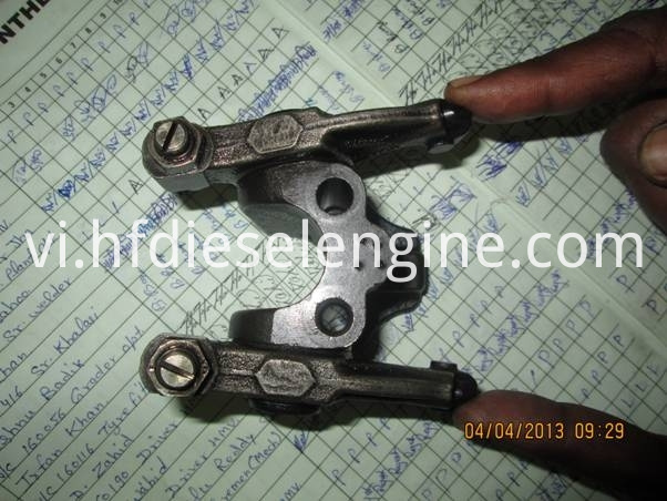 BF6M1013E rocker arm assembly