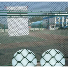 Galvanized chain link mesh tennis court fence