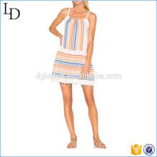 Striping tailândia vestidos de roupas por atacado com uma saia de verão desfiada