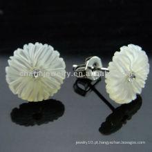 925 Ródio de prata chapeado Earring do parafuso prisioneiro de Shell de água doce Pendente encantador do parafuso prisioneiro do escudo da flor EF-027