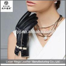 Las mujeres al por mayor calientan los guantes finos de cuero del invierno