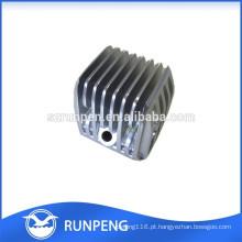 A elevada precisão de alumínio morre o radiador pequeno da máquina da carcaça