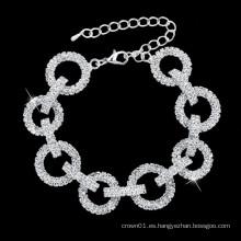 Tintineo de pulseras de boda y diseño clásico